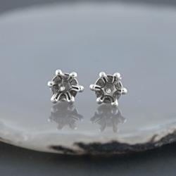 sztyfty,wkrętki,małe,rozgwiazdy - Kolczyki - Biżuteria