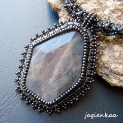 elegancki,unikalny,beading,haft koralikowy - Wisiory - Biżuteria