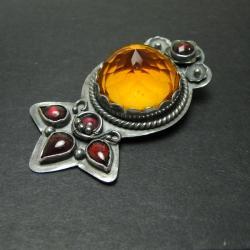 wisior,żółty,cytryn,granat,kwiat,metaloplastyka - Wisiory - Biżuteria