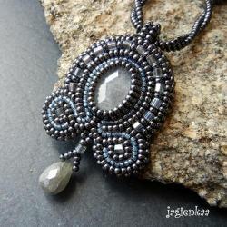 haft koralikowy,elegancki,unikalny - Wisiory - Biżuteria