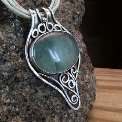 srebrny wisior z zielonym fluorytem - Wisiory - Biżuteria