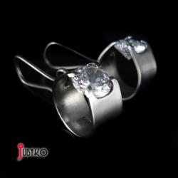 tytanowe,lekkie,koła,cyrkonie - Kolczyki - Biżuteria