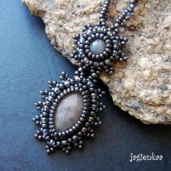 elegancki,retro,romantyczny,haft koralikowy - Wisiory - Biżuteria