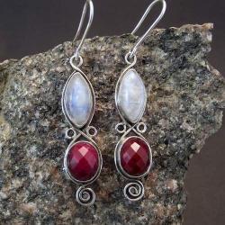 kolczyki z rubinem i kamieniem księżycowym - Kolczyki - Biżuteria