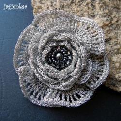 elegancki,haft koralikowy, - Broszki - Biżuteria