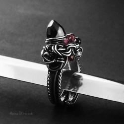 pierścień gotycki,gothic,zaręczynowy,spinel,granat - Pierścionki - Biżuteria
