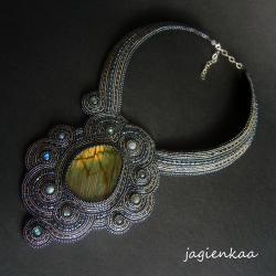 elegancki,unikalny,haft koralikowy,asymetryczny - Naszyjniki - Biżuteria