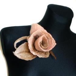 filcowa,róża,kwiaty,pudrowe,różowy,kobieca,róż - Broszki - Biżuteria
