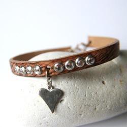 skórzana bransoletka,kryształki,serce - Bransoletki - Biżuteria